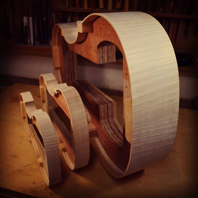 Ribs glued.#violin #viola #cello #doublebass #琉球 #沖縄 #那覇